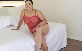 Big mature Barbara loves to get naughty