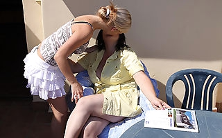 Hot blonde babe doing an older chubby lesbian