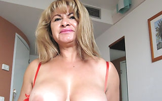 This is Cielito a horny masturbating mature slut