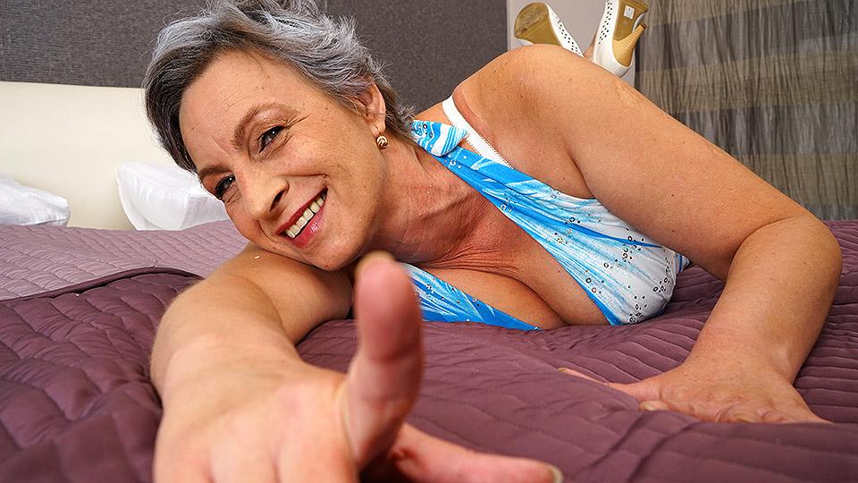 Massage Rooms Mature Lesbian